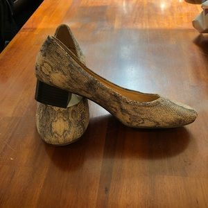 Naturalizer Low Heels